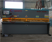 中(安徽名牌)供应竞技宝下载 QC12Y-06x5000液压摆式(数显)剪板机